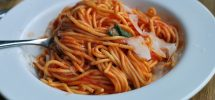 AWESOME THING WE ATE #922 | A Perfect Spaghetti Pomodoro At Main's Campagnolo