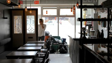 "DINER | New ""Grapes & Soda"" Wine Bar Gets Set For Opening Next To Farmer's Apprentice"