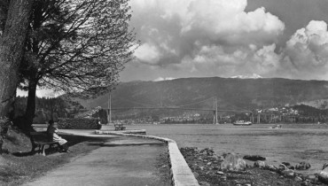 YOU SHOULD KNOW   The 100 Year History Of Stanley Park's Beautiful, Meandering Seawall