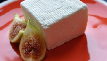 BEYOND CHEDDAR | On Brillat-Savarin, The Cheese Perfect For Decadent Summer Nights