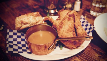 AWESOME THING WE ATE #972 | Tableau Bar Bistro's Buttermilk Fried Cornish Hen & Gravy