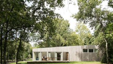 SPACED | A Low Profile Maison That Would Fit Squamish As Well As It Does Nantes In France