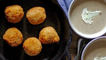 AWESOME THING WE ATE #969 | Cauliflower Truffle Soup + Sausage Arancini From Cioffi's