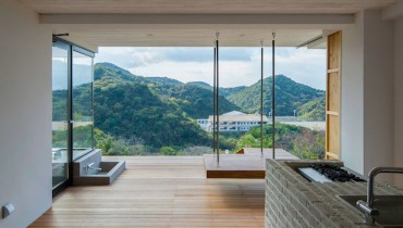 SPACED | Minimalist Weekend Retreat With A View In Japan Would Suit A Lions Bay Address