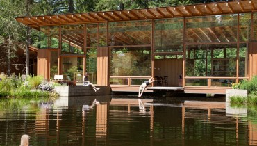 SPACED | Quiet Oregon Pond Getaway Clad In Glass & Douglas Fir Would Suit Bowen Island