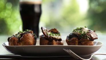 OPPORTUNITY KNOCKS | 'The Fat Badger' On The Hunt For FT/PT Line Cooks & Prep Cooks