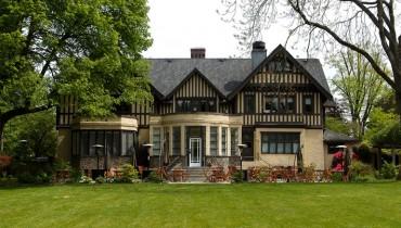 OPPORTUNITY KNOCKS | Hart House Seeks Banquet Sous Chef, Garde Manger & Saucier