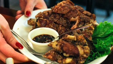 NEVER HEARD OF IT | Filling Your Filipino Pork Quota At 'Hapag Ihaw Ihaw' On Victoria Drive